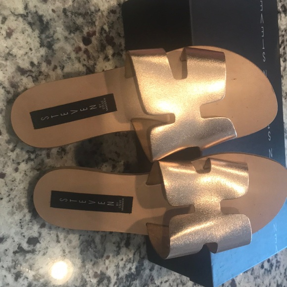 c0db026e6f9 Rose gold Greece Steven sandals size 6
